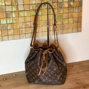 💯 Authentic Louis Vuitton Petit Noe
